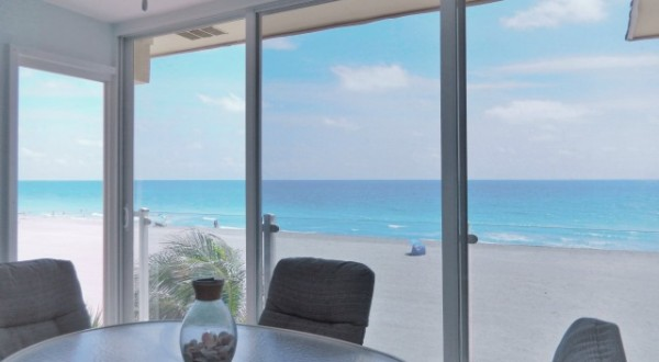 Spacious Siesta Key Beachfront Lanai