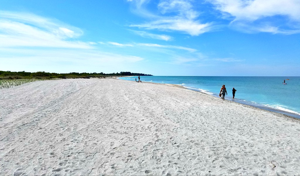 To the south there is over a mile of totally undeveloped beachfront to stroll before you reach Casey Key