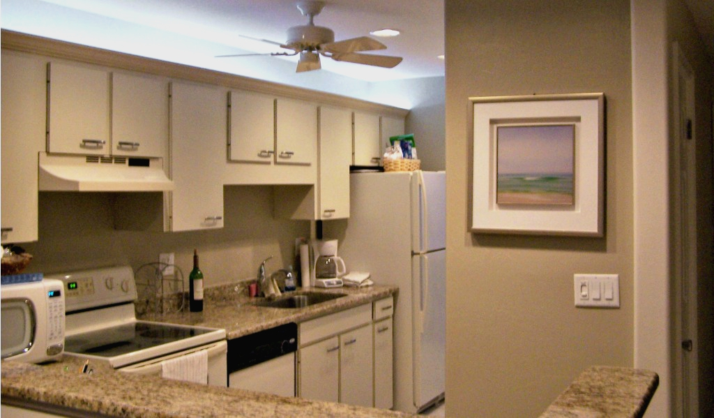 Siesta Key beachfront condo with well-equipped kitchen with full size appliances and direct Gulf view