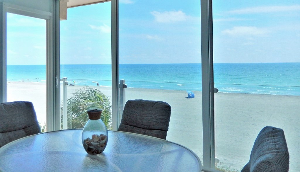 Siesta Key Gulf-front Lanai with Floor to Ceiling Sliding Doors - Million Dollar View